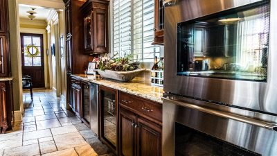 Kitchens - Gracious Living and Entertaining - Bluetree-002
