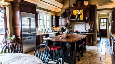 Kitchens - Gracious Living and Entertaining - Bluetree-005