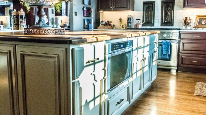 Kitchens - Handsomely Historic - Bluetree-002
