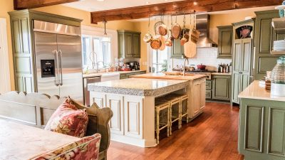 Kitchens - Lakeside Retreat - Bluetree-005