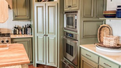 Kitchens - Lakeside Retreat - Bluetree